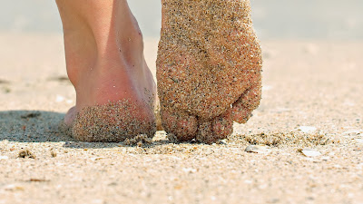 mood-girl-legs-sand-beach-summer-wallpaper-1920x1080