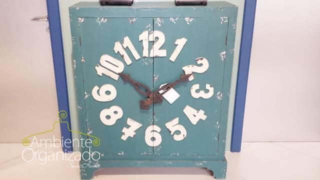 Armário relógio