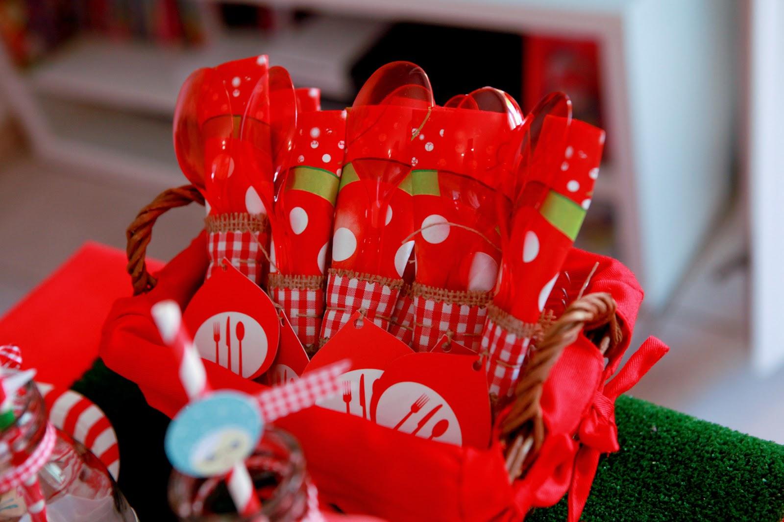 fourchettes cuilleres theme Petit Chaperon Rouge
