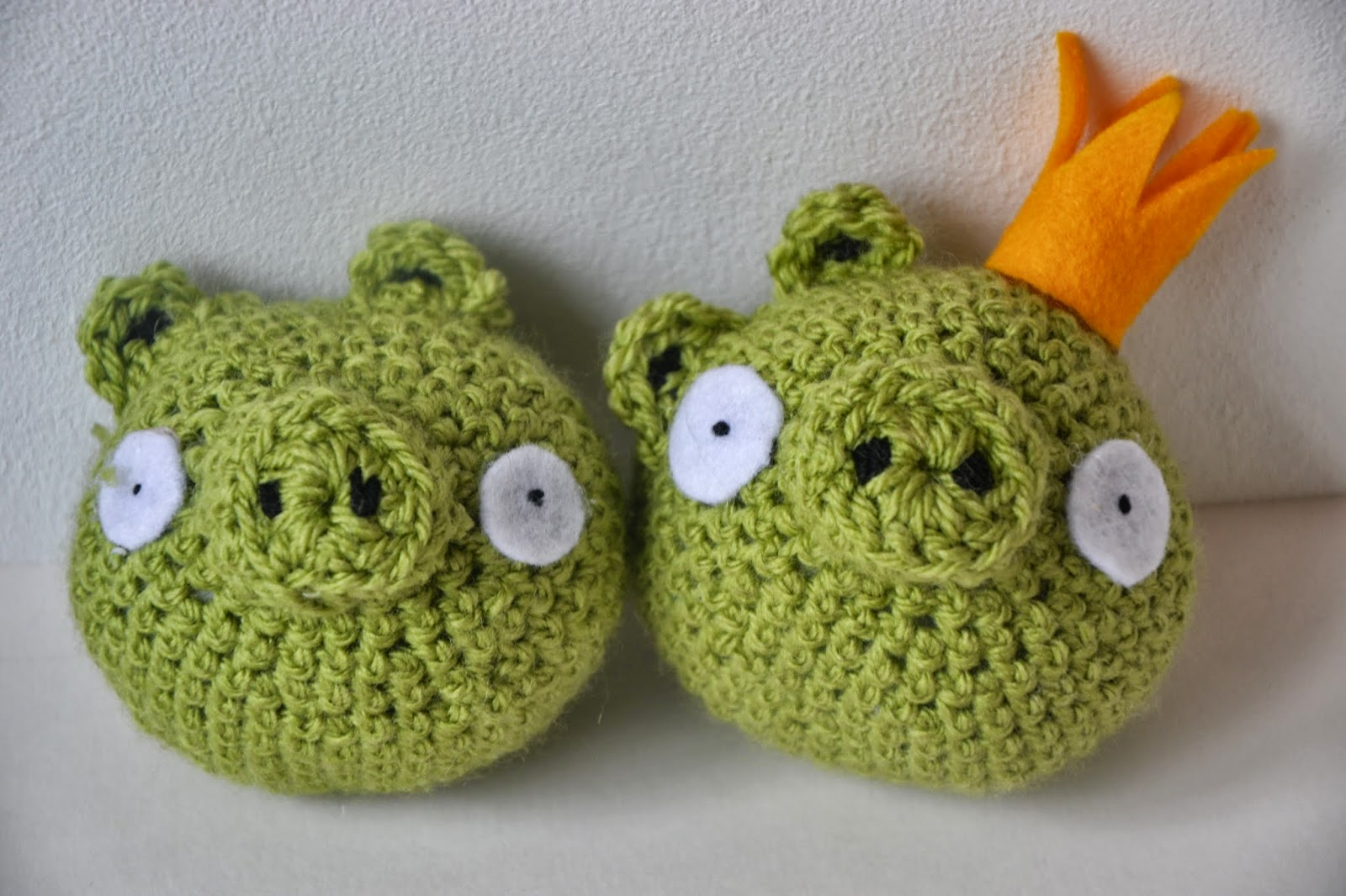 Crochet Pig and King Pig