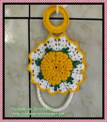 Porta pano de prato em crochê com ponto pipoca e cordão de crochê
