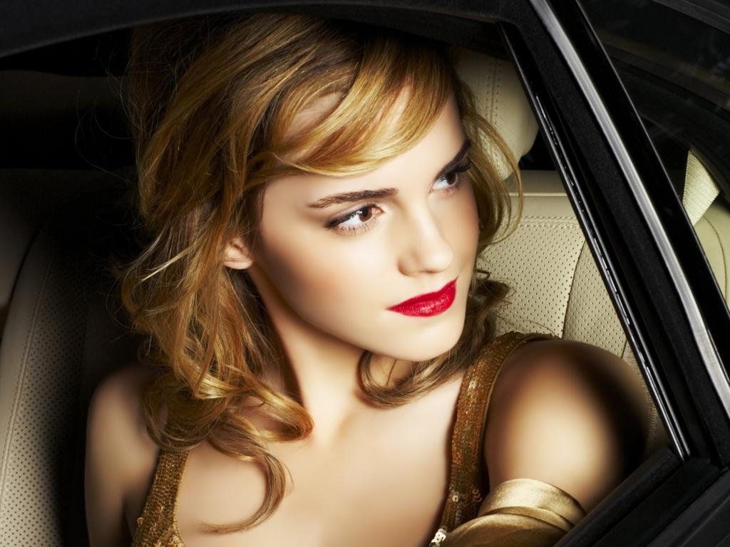 http://4.bp.blogspot.com/-RrMur52HhOk/TyslGiml2VI/AAAAAAAAArw/QyO374p_w1I/s1600/Emma-Watson.jpg