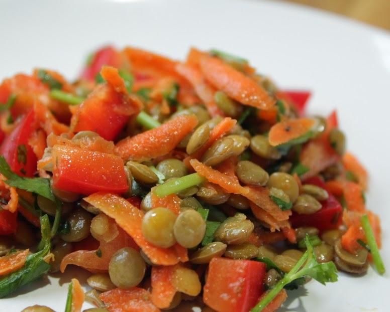 Salada de Lentilhas com Cenoura e Pimentão (vegana)