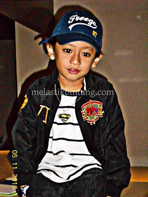 Raykarl Iskandar,Ajiboy