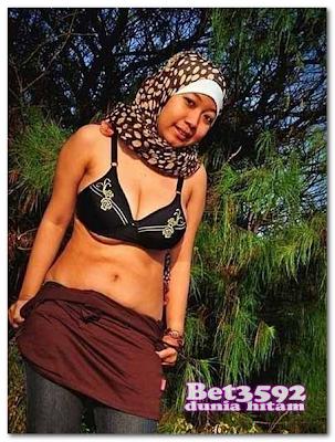 Jilbab Bugil Gadis Bertoket Gede Montok Banget