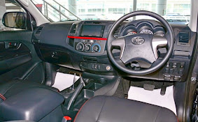 Interior Toyota Hilux TRD Sportivo 2015_4