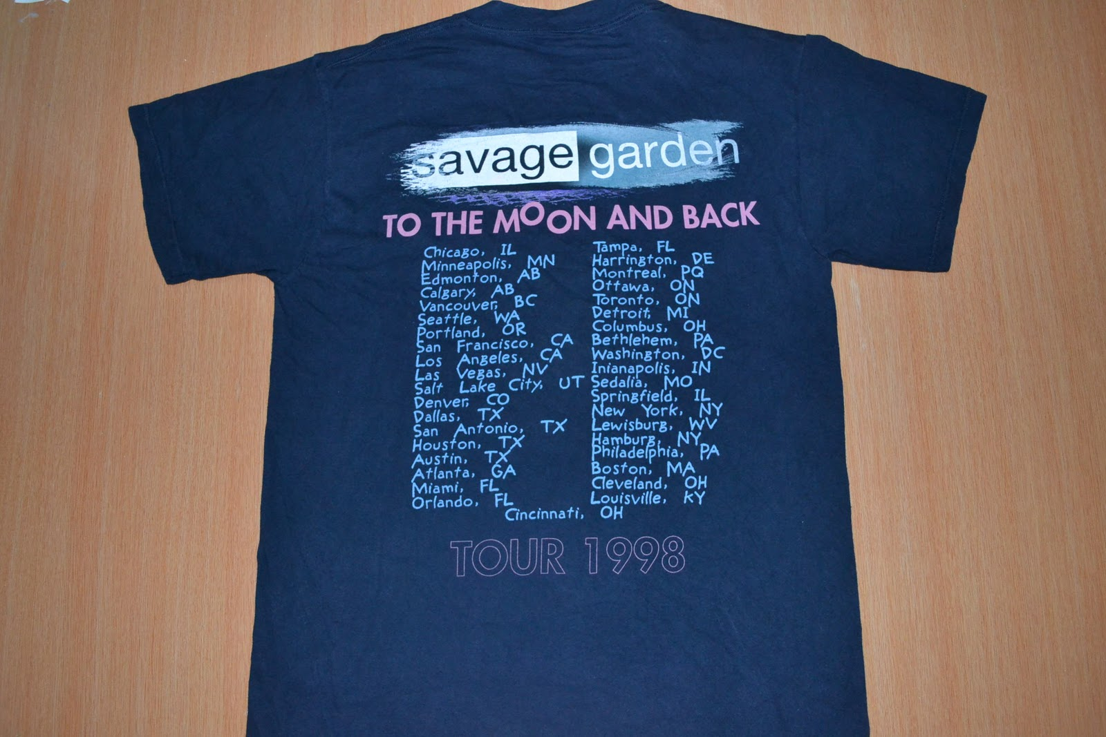 Anak liar rocks vintage 90s savage garden to the moon and back tour t shirt for Savage garden to the moon back