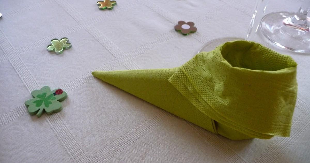 plier une serviette en chausson de lutin les d lices de baradozic. Black Bedroom Furniture Sets. Home Design Ideas