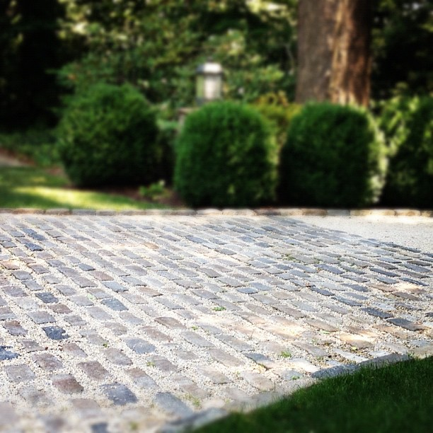 Cobblestone Stones For Driveways : High street market driveway ideas cobblestone crushed