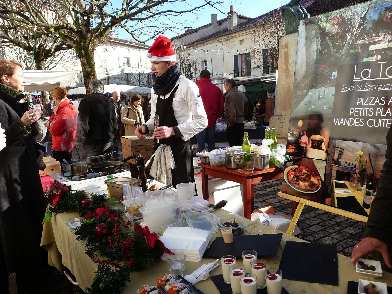 At the Aubettere-sur-Dronne Christmas market