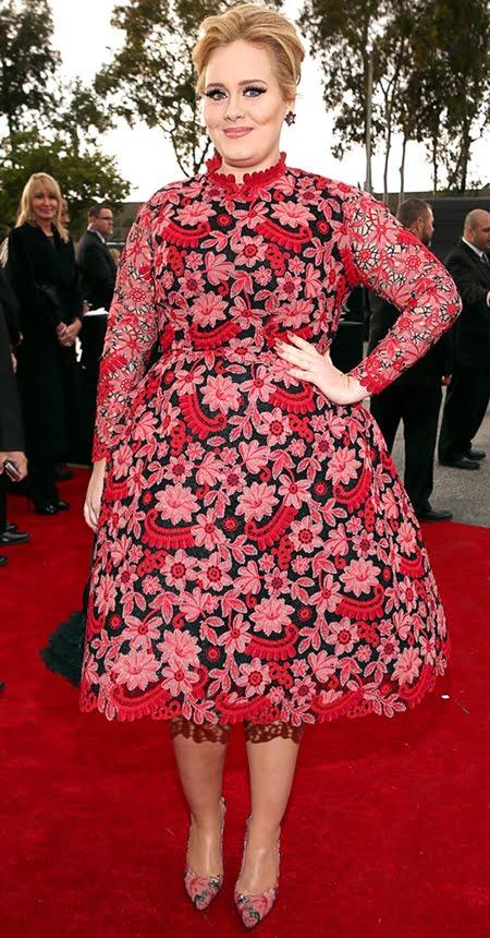 Адел на Грами 2013 в къса дантелена рокля на цветя