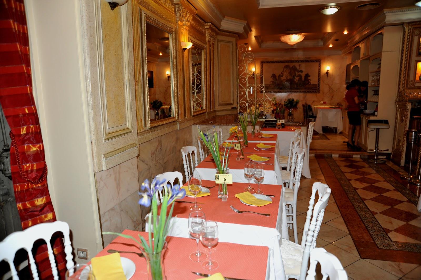 restaurante bonaparte paris jantar e almo o restaurante bonaparte grupo em paris chic cheap. Black Bedroom Furniture Sets. Home Design Ideas