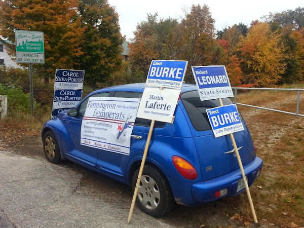 Farmington Dems Welcomes Voters With Visibilties