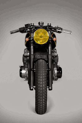 Kawasaki Zephyr 750 Cafe Racer by Ton-up Garage