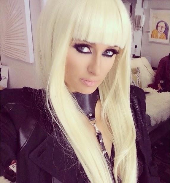 Paris Hilton em bastidores de clipe da música High off my love