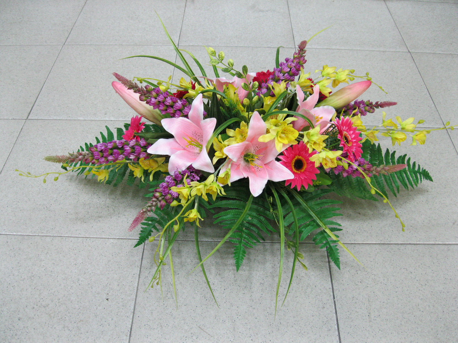 Hoi Kee Flower Shop Conference Table Floral Arrangement