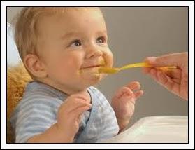 Makanan pejal pertama bayi
