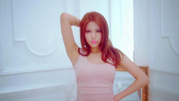 AoA Hyejeong Miniskirt Japanese