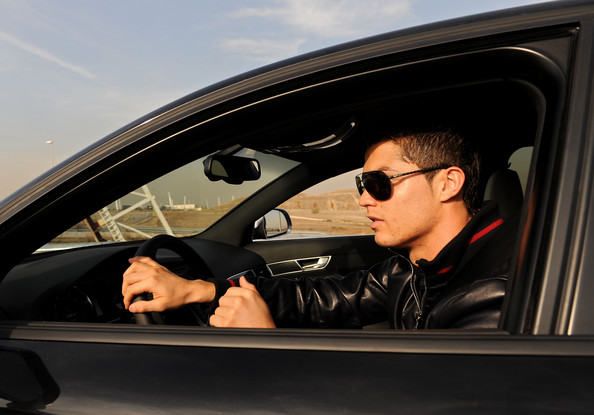 تحميل صور كرستيانو رونالدو http://new-info-free.blogspot.com/2012/11/photo-Cristiano-Ronaldo-2013.html