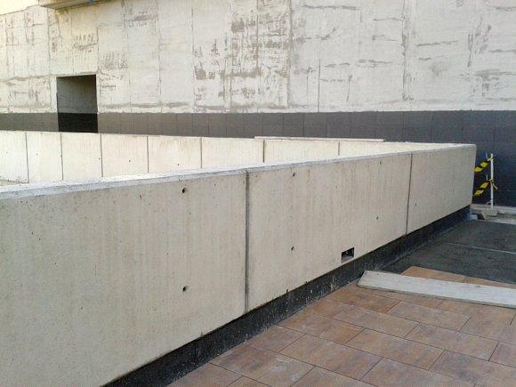 Muro de hormig n que se fisura por donde quiere el arquitecto ha muerto - Muros de hormigon ...