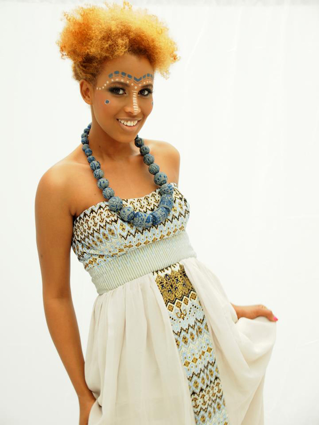 Modele de pagne Africain- African print dress check out more on www.ciaafrique.com