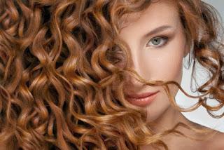 olio di cocco per i capelli, olio di cocco prodotto leave in per i capelli, capelli brillanti e definiti con olio di cocco