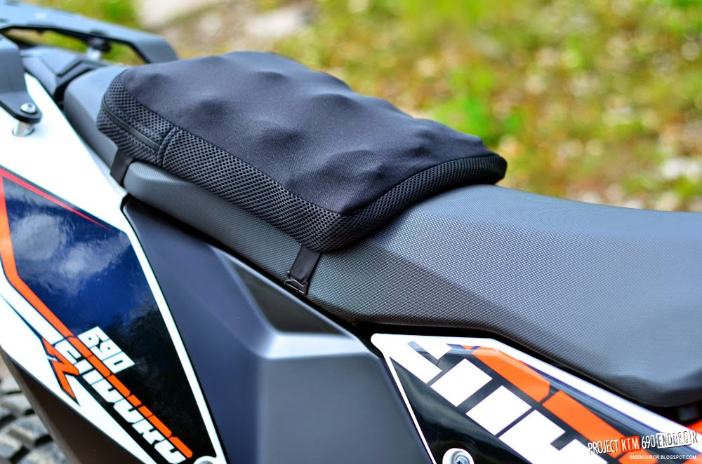 Airhawk 2 seat cushion on a KTM 690 Enduro R