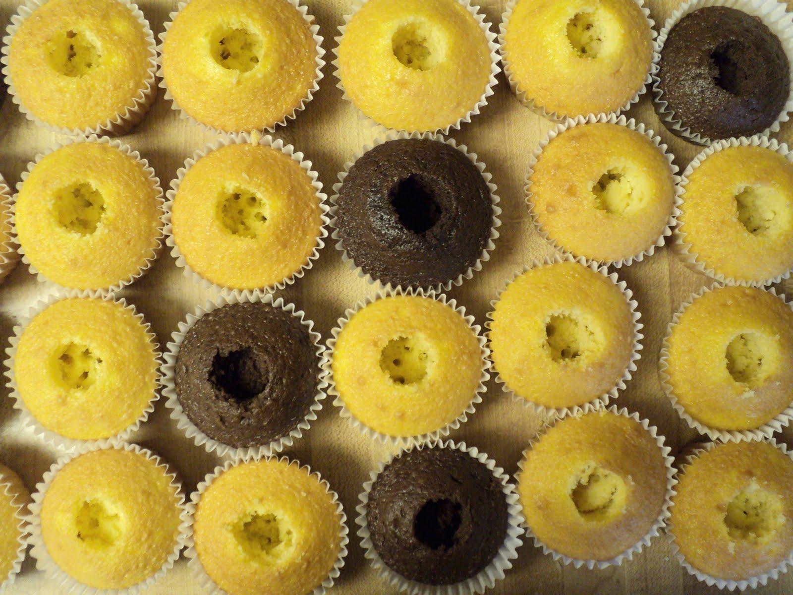 Marshmallow Cupcakes + Marshmallow Frosting -