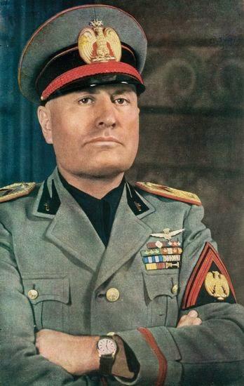 benito amilcare andrea mussolini Benito mussolini, nado en predappio o 29 de xullo de 1883 e fusilado en dongo o 28 de abril de 1945, foi o primeiro ditador fascista de europa acadou o poder en.