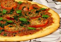 Pizza de Páprica com Manjericão (vegana)