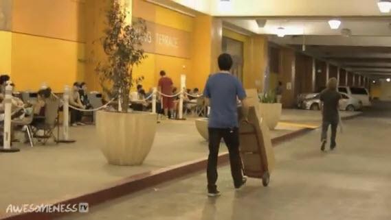 Video gracioso: Broma que le hicieron a los compradores que estaban esperando por el iPhone 5