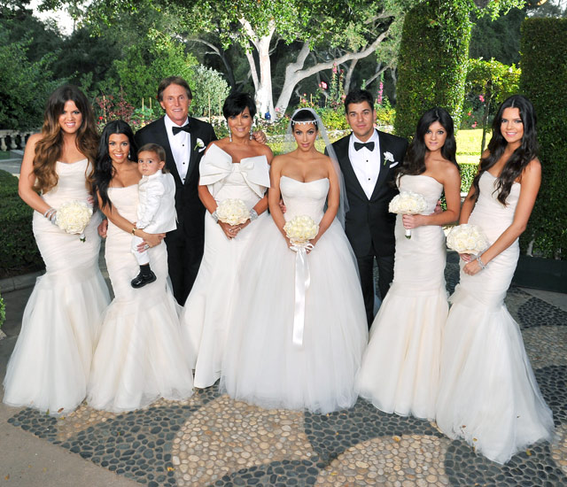 Foto da família Kardashian no casamento de Kim