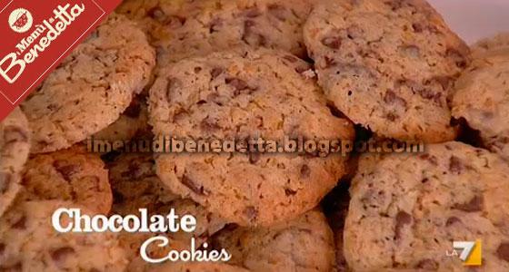Per una merenda veloce da preparare o per una colazione gustosa fatta in  casa ecco dei biscottini speciali di Benedetta Parodi i chocolate cookies,