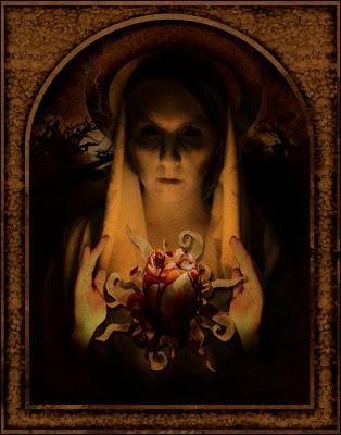 Misteri Tentang Penampakan Bloody Mary di Cermin