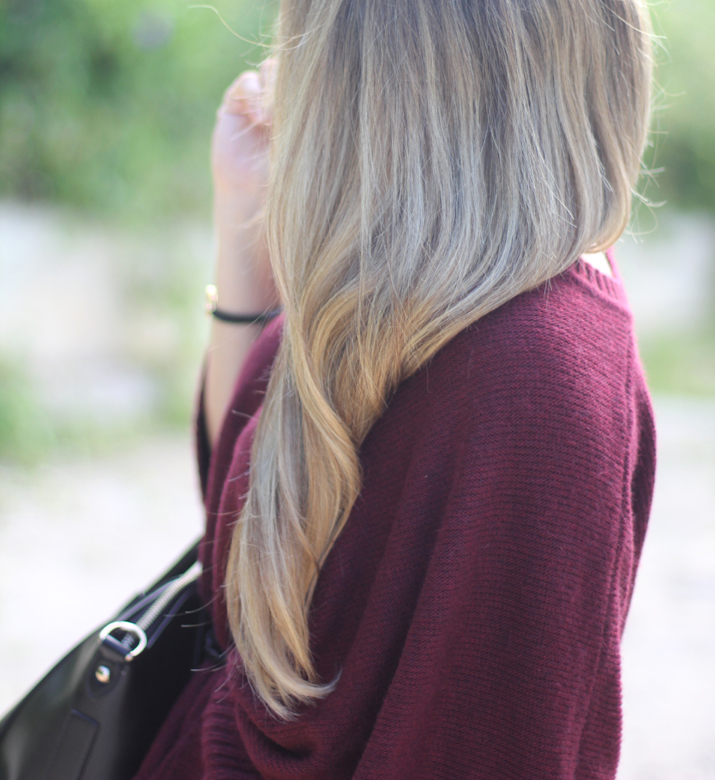 Blonde blogger with highlights