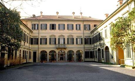Berlusconi casa berlusconi arcore for Piscina arcore