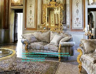 sofa jati ukir eropa,Sofa ukir jepara Jual furniture mebel jepara sofa tamu klasik sofa tamu jati sofa tamu antik sofa tamu jepara sofa tamu cat duco jepara mebel jati ukir jepara code SFTM-22007 sofa jati ukir eropa