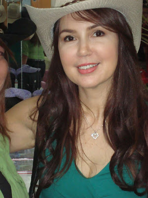 Hot Sexy Cute Pinay Bold Actress Cristina Gonzales