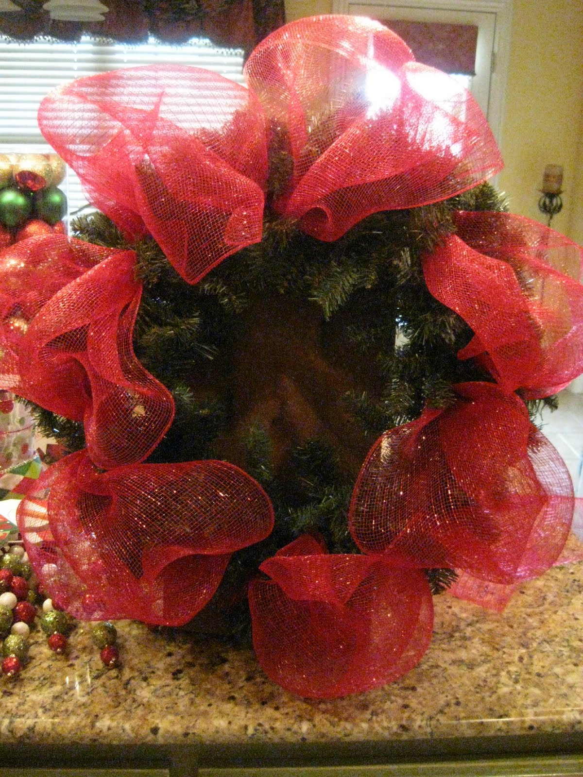 How to make a christmas wreath with mesh - Christmas Mesh Wreath Tutorial