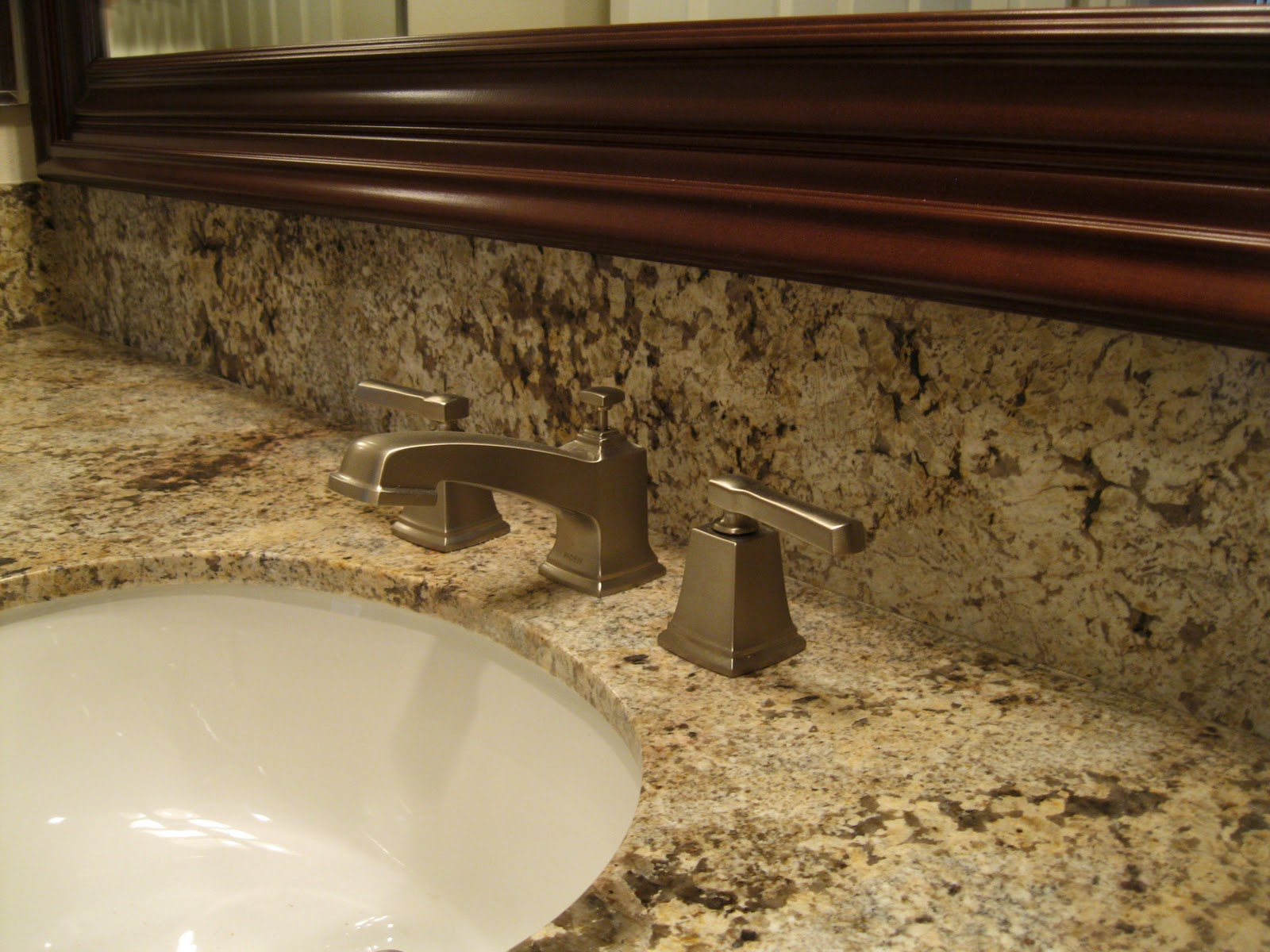 love the squared off look of this faucet
