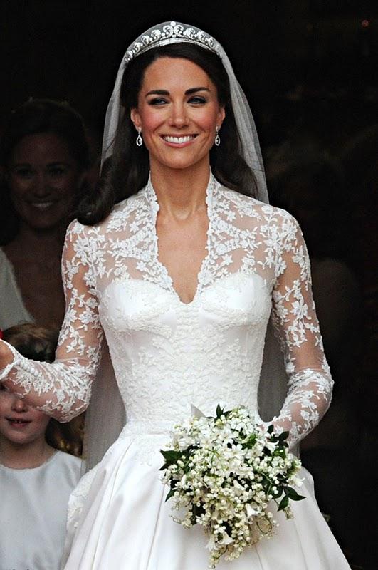 princess grace kelly wedding dress. Princess Grace Kelly in her