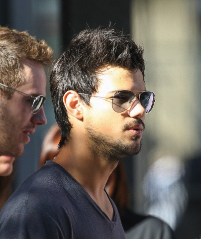 OFFICIAL TAYLOR LAUTNER FAN PAGE: New Photos of Taylor ...