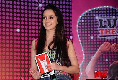 Shraddha Kapoor Long Straight Hairstyles