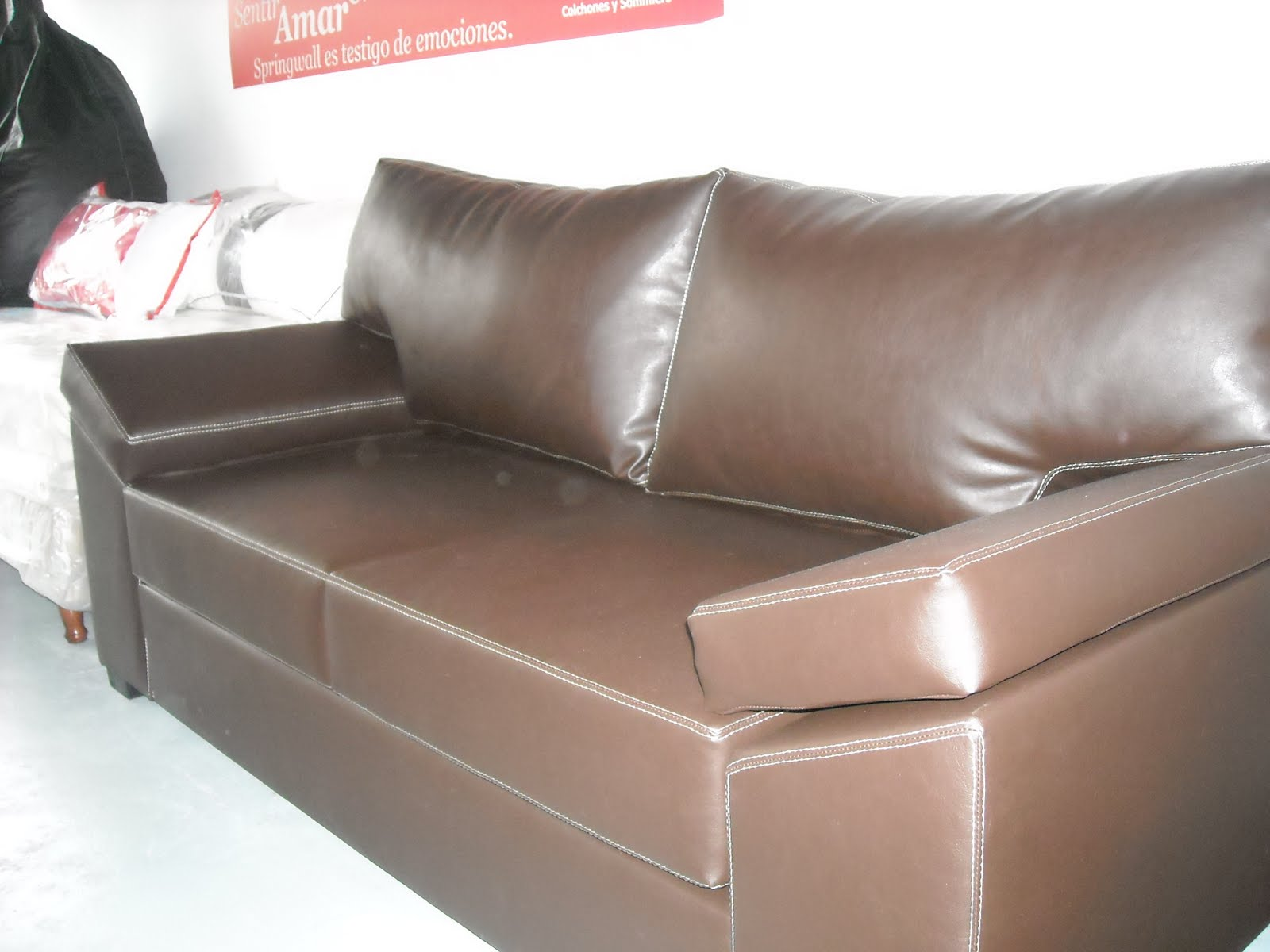 Muebles mya sofa italiano for Muebles juveniles gavilan