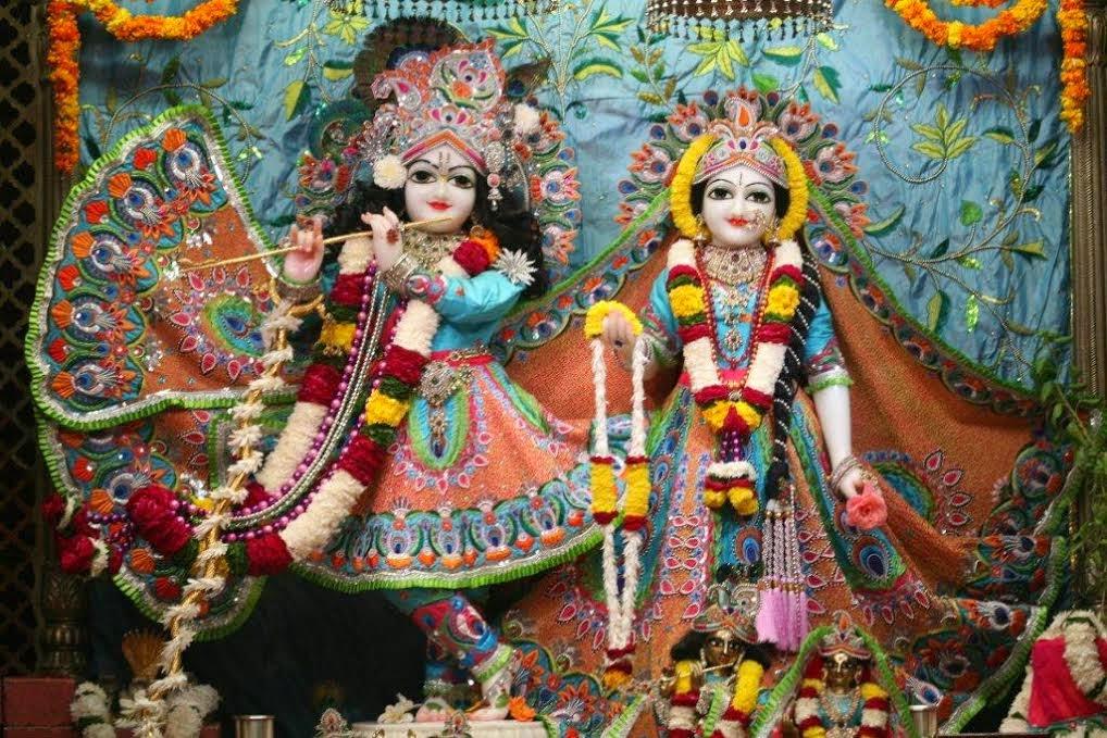 Full View of Sri Sri Radha Vrindavana Chandra