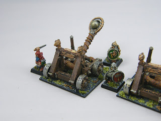 Dwarf Stone Thrower and Crew
