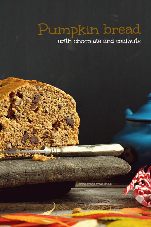 Chlebek dyniowy z czekoladą i orzechami