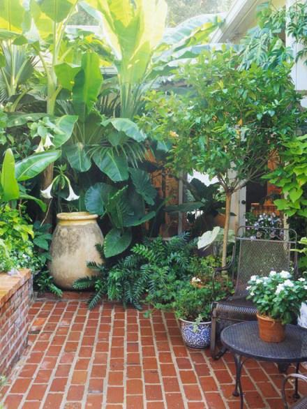 8 modi per fare sembrare un piccolo giardino pi grande for Piccolo cottage che vive