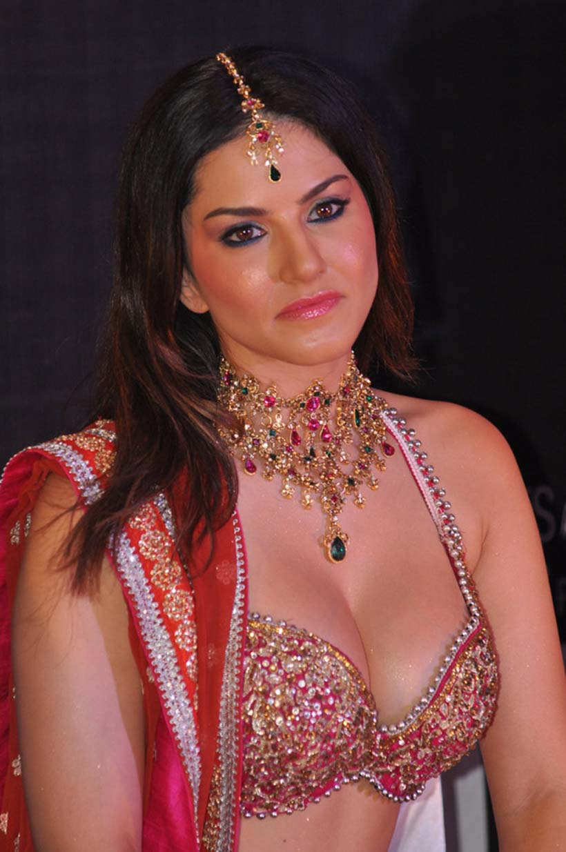 bollywood glitz 24 - hot bollywood actress: sunny leone at launch of