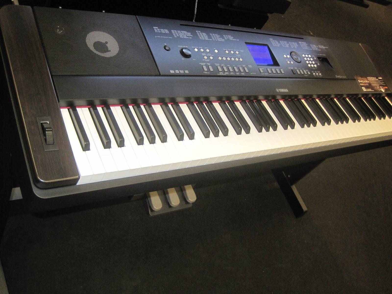 Az piano reviews review yamaha dgx650 digital piano for Digital piano keyboard yamaha